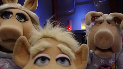 Pigs In Space: Look Who's Coming to Dinner